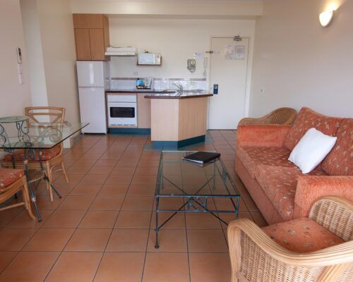 Cairns-Hotel-Apartments-Units-Old-Photo (15)