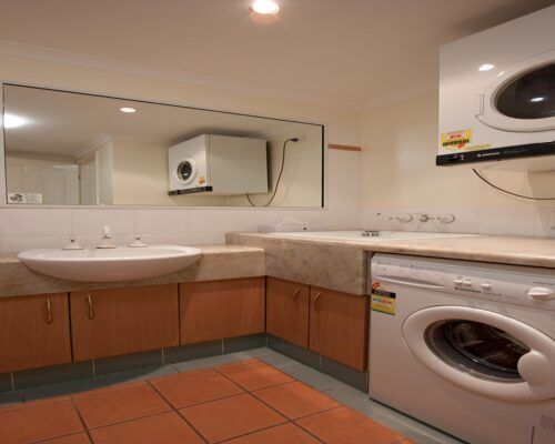 Cairns-Hotel-Apartments-Units-Old-Photo (6)